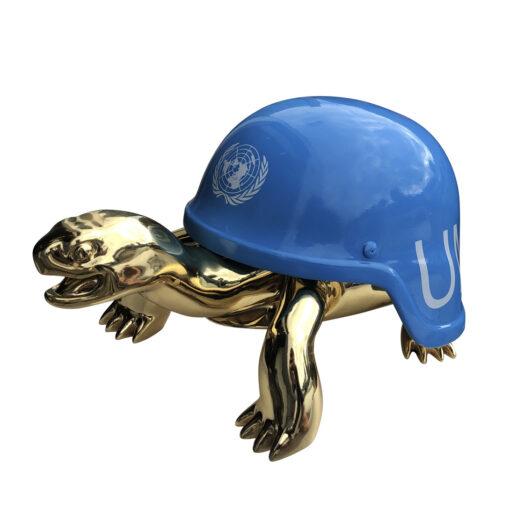 un golden peace turtle